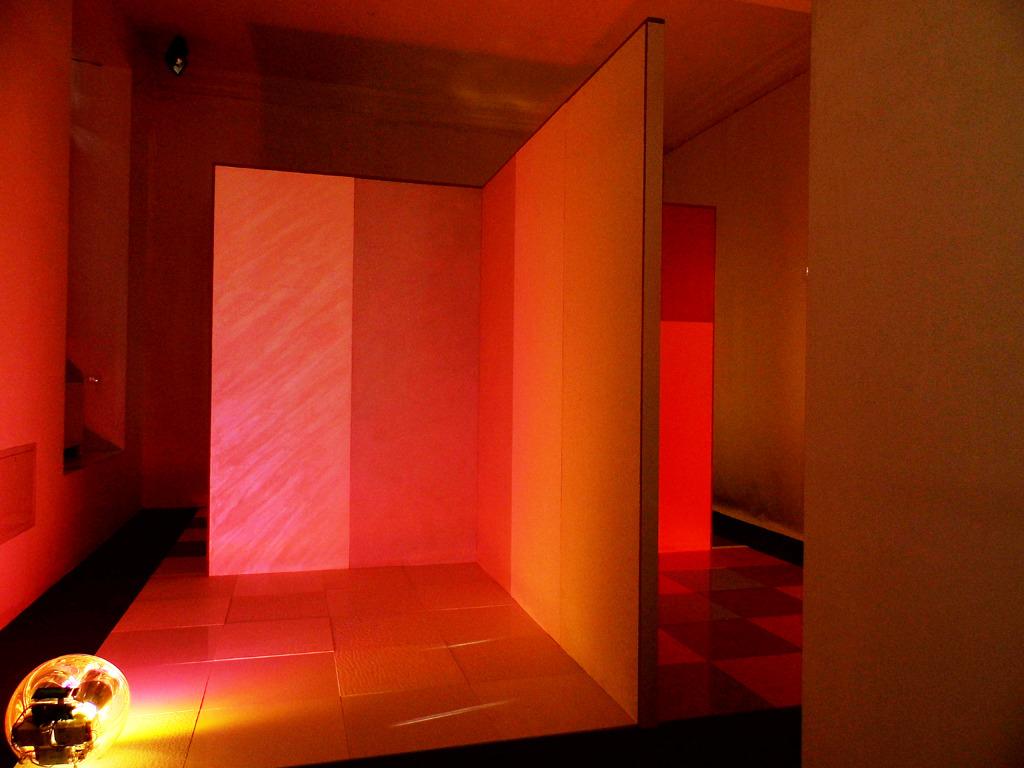 Sensory maps. Color light matter